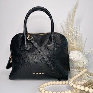 ($625)Burberry Greenwood black leather crossbody